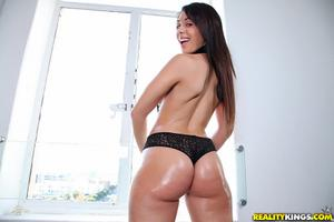 Natalie Nunez Gets Splooged