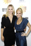 http://img218.imagevenue.com/loc1065/th_29075_kristen_bell_practice_safe_sun_awards_luncheon_04_122_1065lo.jpg
