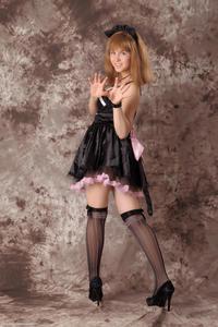 http://img218.imagevenue.com/loc1069/th_232534919_Silver_Sandrinya_maid_3_033_122_1069lo.jpg