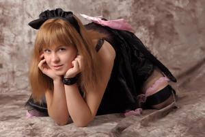 http://img218.imagevenue.com/loc1093/th_232571640_Silver_Sandrinya_maid_3_039_122_1093lo.jpg