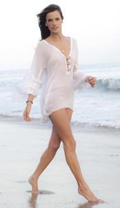 Alessandra Ambrosio sexy beach photosession