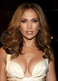 Jennifer Lopez Shows Cleavage at The Curious Case of Benjamin Button Premiere in Los Angeles
