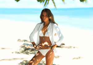 http://img218.imagevenue.com/loc763/th_936288143_UploadedByKurupt_Clara_Alonso_Baku_Swimwear_2011_01_122_763lo.jpg