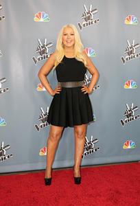 [Fotos+Videos] Christina Aguilera en la Premier de la 4ta Temporada de The Voice 2013 - Página 4 Th_986023413_Christina_Aguilera_61_122_764lo