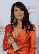 Katey Sagal-Shows Off Her Best Performance Award At The Golden Globes