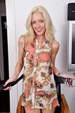 Emily Kaye - Footfetish 1d580x99kzu.jpg